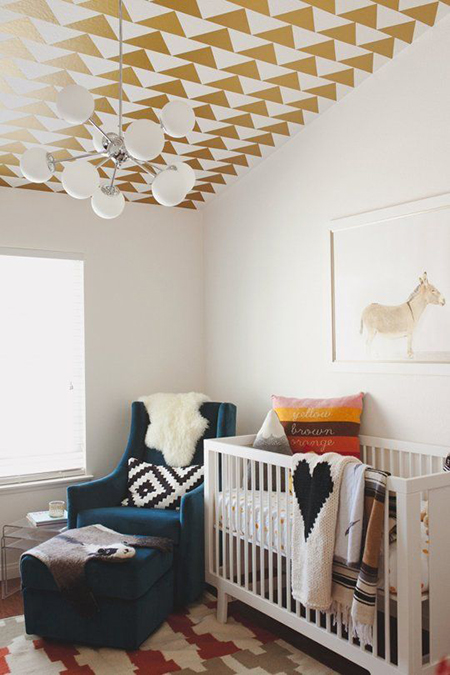 So Fresh & So Chic // Gold in Nurseries and Kid's Spaces! #homedecor #kidsrooms #sofreshandsochic