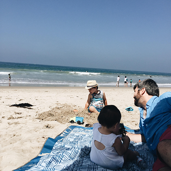 So Fresh & So Chic // Mr. Tall and the kids at the beach in Santa Monica