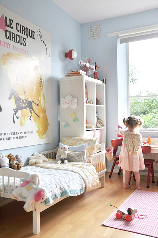 Spotted on So Fresh & So Chic // Vintage oversized circus art via Design Mom and Babyccino Kids. // www.sofreshandsochic.com #sofreshandsochic