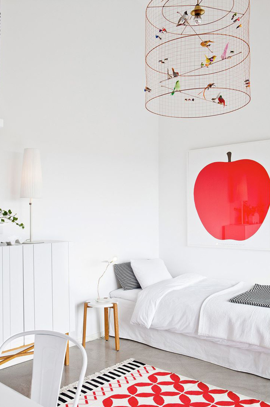 Spotted on So Fresh & So Chic // Red apple poster // www.sofreshandsochic.com #sofreshandsochic