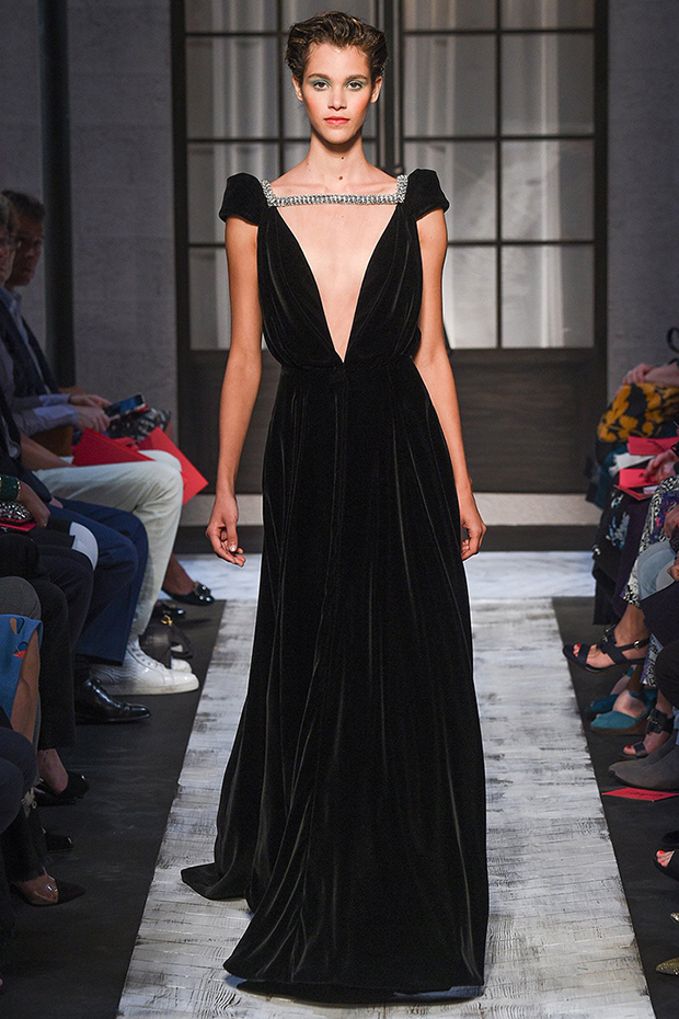 So Fresh & So Chic // Love Couture: Fall 2015 Couture shows in Paris #couture #paris #fashionweek #fall2015 #sofreshandsochic www.sofreshandsochic.com