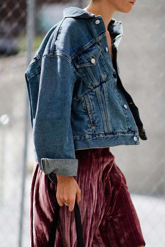 So Fresh & So Chic // How to Rock Velvet Like a Street Style Star! #velvet #trending #sofreshandsochic