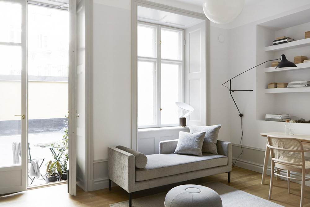 House Tour on So Fresh & So Chic: A Bright & Minimalist Studio Apartment in Stockholm!