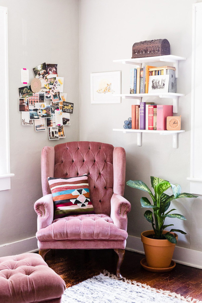 So Fresh Chic 15 Gorgeous Armchair Vignettes And How To Style Them