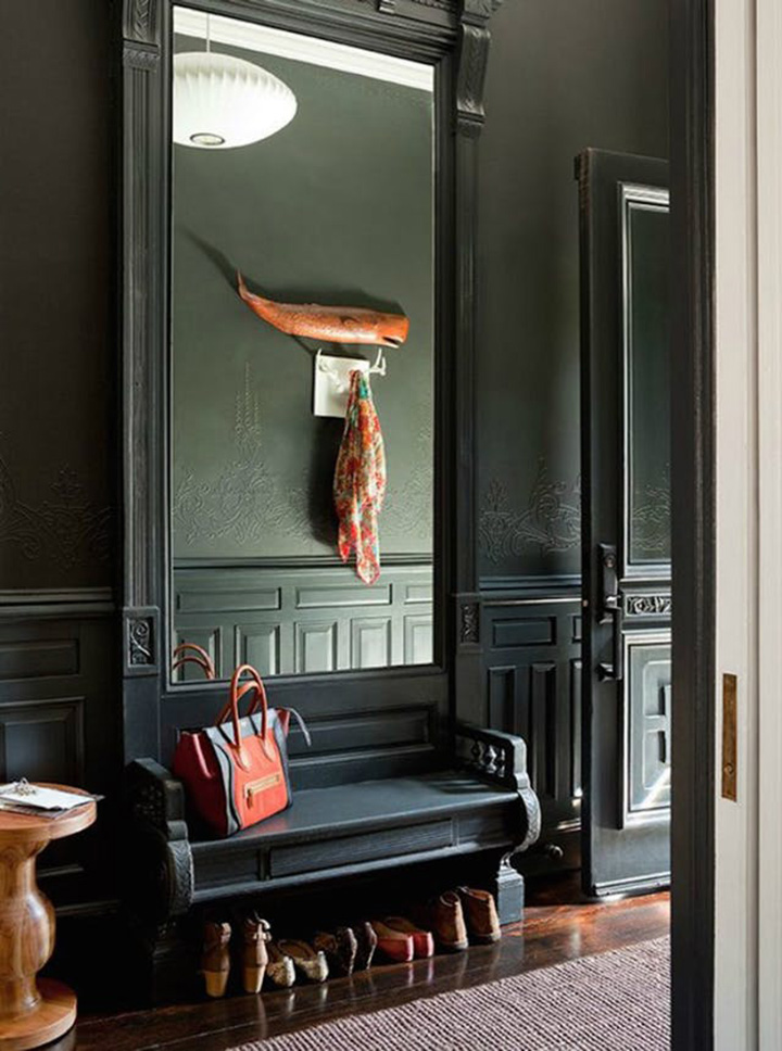 So Fresh & So Chic // 15 Dark and Sophisticated Rooms to Welcome Fall in Style