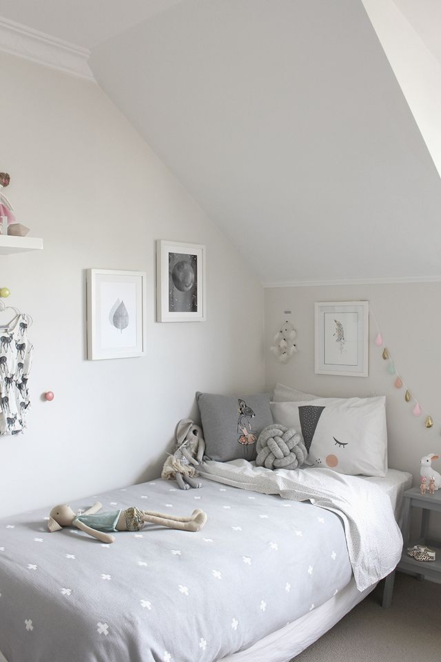So Fresh & So Chic // 12 Wonderfully White & Bright Kids' Rooms PLUS a Free Printable!