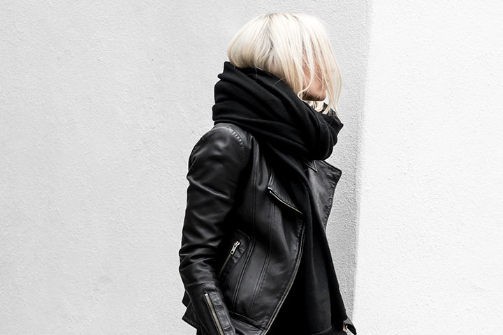 So Fresh & So Chic // Friday Finds Vol. 24: Blog Crush of the Week and minimalist winter fashion from FIGTNY #winterfashion #minimalist #monochrome #sofreshandsochic #womensfashion #streetstyle