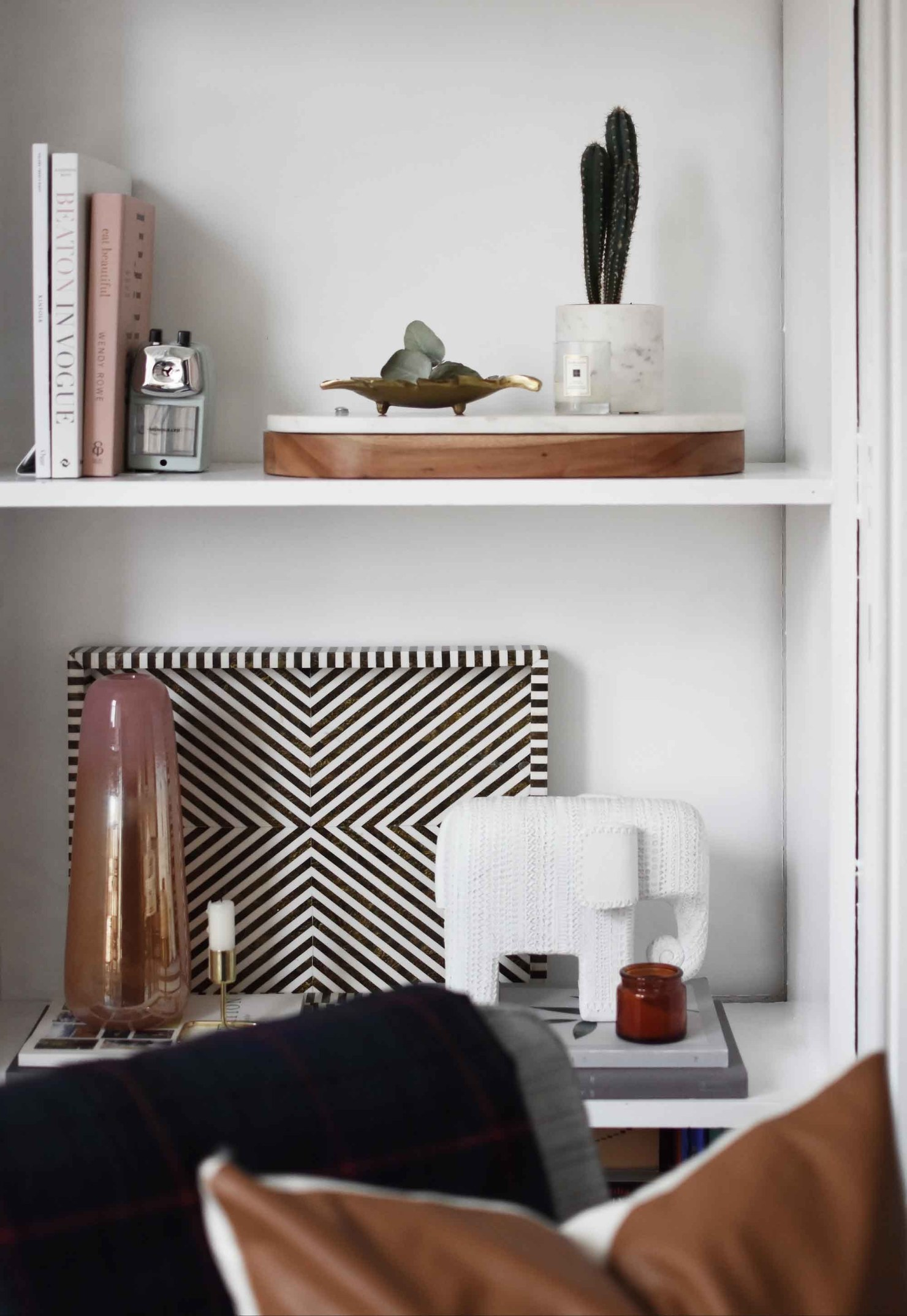 How to Style Your Shelves Perfectly! // So Fresh & So Chic