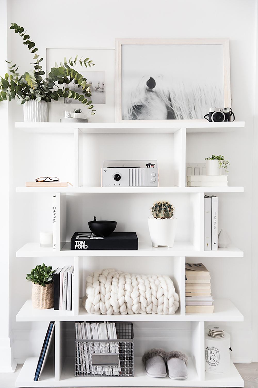 So Fresh & So Chic // Shelf Styling Inspiration